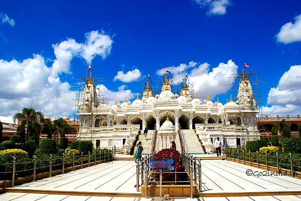 Bhuj Tourism Spots To Visit Prag Mahal Palace Aina Mahal