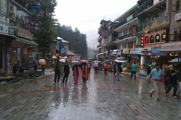 Rain at Mall road Manali