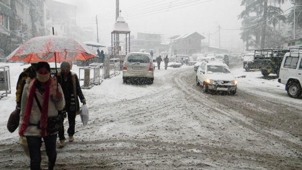 Snowfall at  Manali