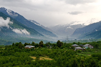 http://www.go2india.in/himachal/images/manali.JPG