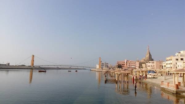 Dwarkadhish temple at Gomti ghat