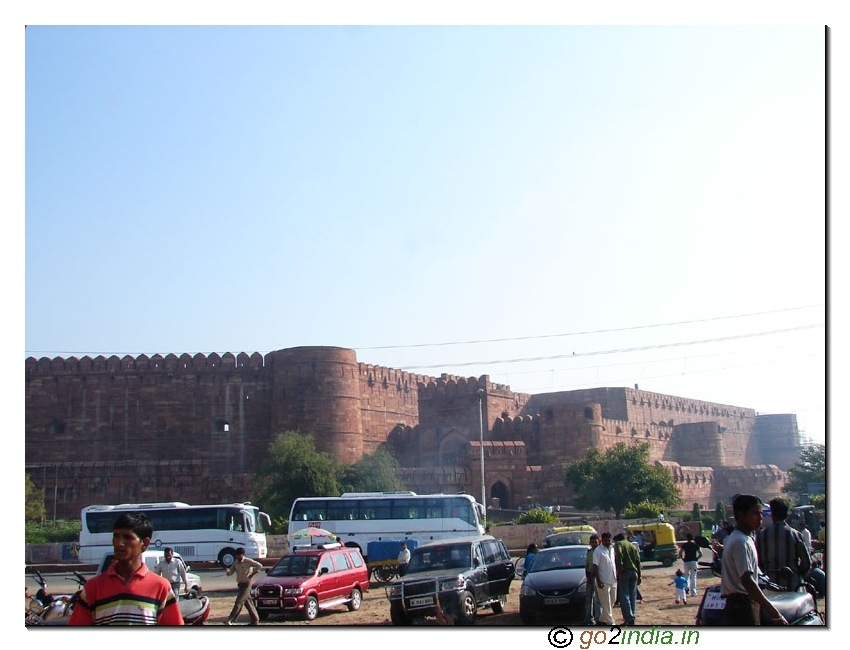Parking area of Agra fort