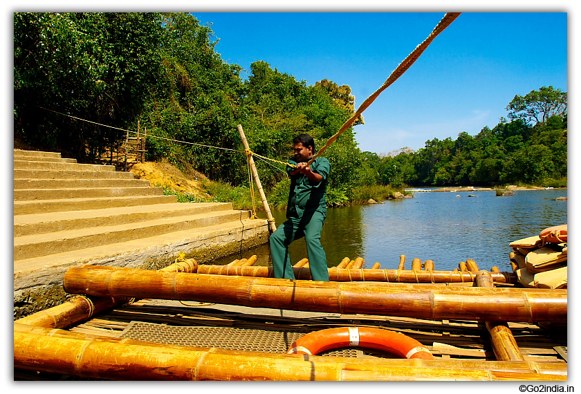 Moves by pulling the ropes to cross the river at Kuruva Island